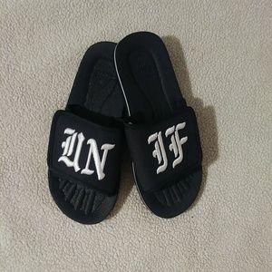 UNIF Slides Size 10 fits 9